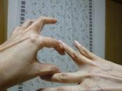 指のストレッチ ぴぴピアノ教室