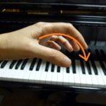 そのピアノを弾く手の形、要注意です。【ピアノ独学講座】