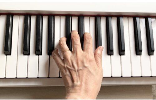 弾きやすい例